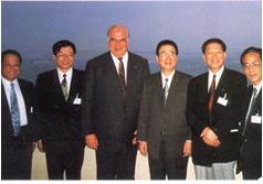 In 1994, a plane leader in Jinan visited the State Council Premier Li Peng