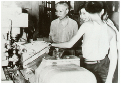 On July 14, 1958, Liu Shaoqi, Chairman of the Standing Committee of the National People's Congress, visited a machine in Jinan.